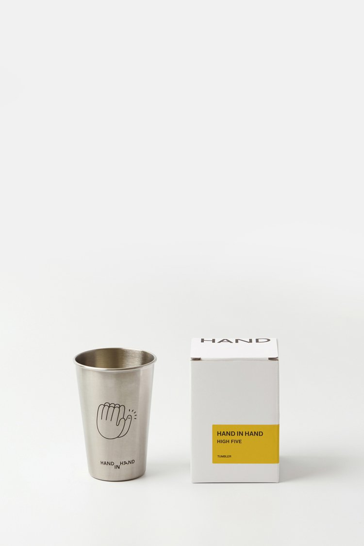 HAND IN HAND High Five款不鏽鋼杯,490元。圖/ARTIF...