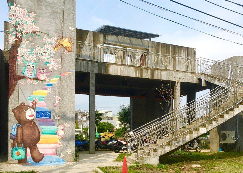 近期新竹縣政府文化局評估竹東文創藝術村營運狀況不佳,決定將提前與台鐵解約。記者陳斯穎/攝影