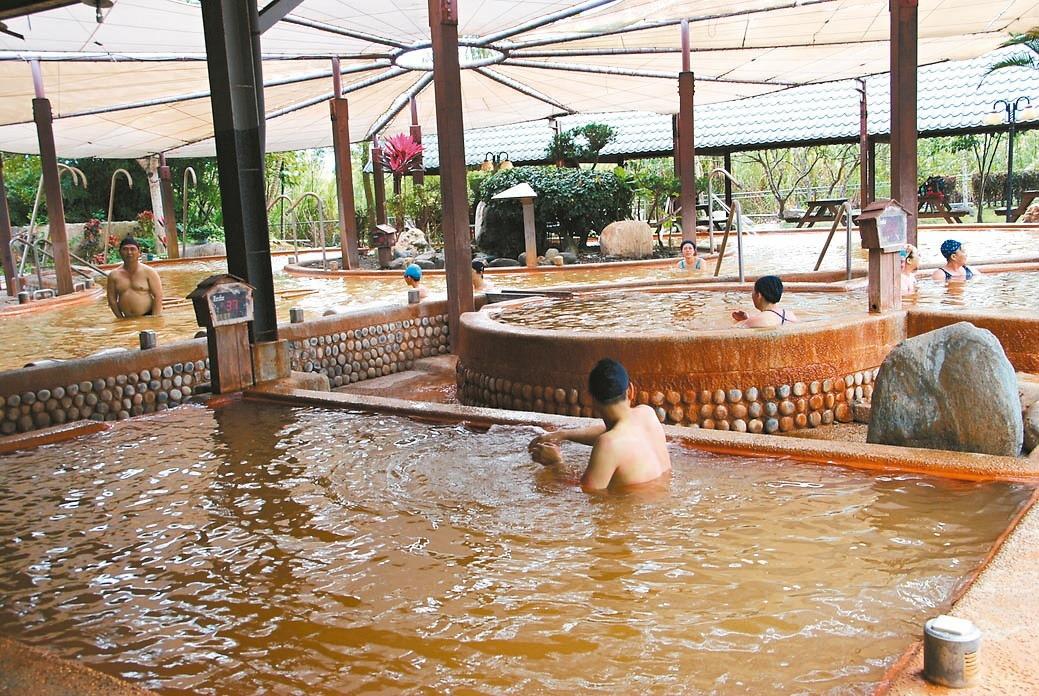 「瑞穗溫泉」泉質為碳酸鹽泉,富含鐵、鋇等礦物質。  圖/花蓮縣政府提供