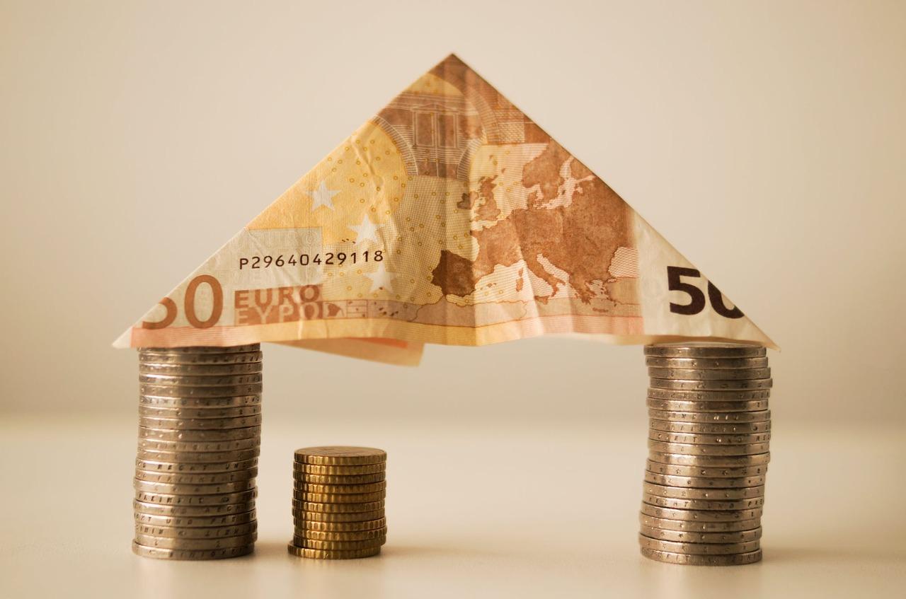 領薪水的勞工,可以選擇自願提繳每月薪資6%範圍內的金額,這些提繳的退休金不會計入...