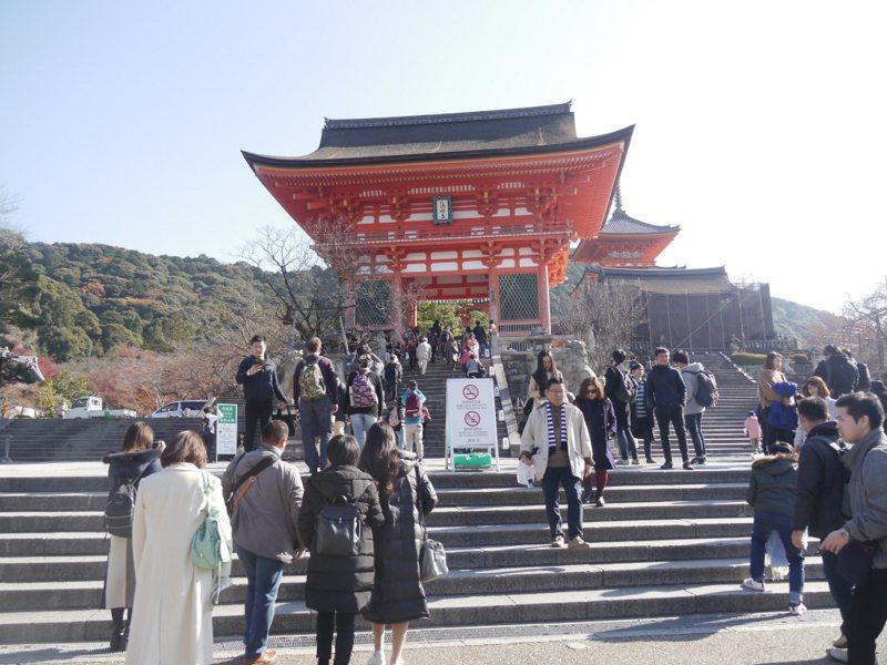 清水寺是日本京都著名景點,一年四季遊客如織。 聯合報系資料照片/記者徐白櫻攝影
