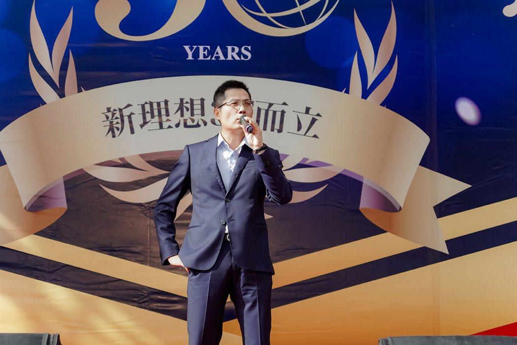 新理想行銷團隊執行長黃正忠表示,公司堅持品牌價值,希望藉由這次公益活動拋磚引玉,...