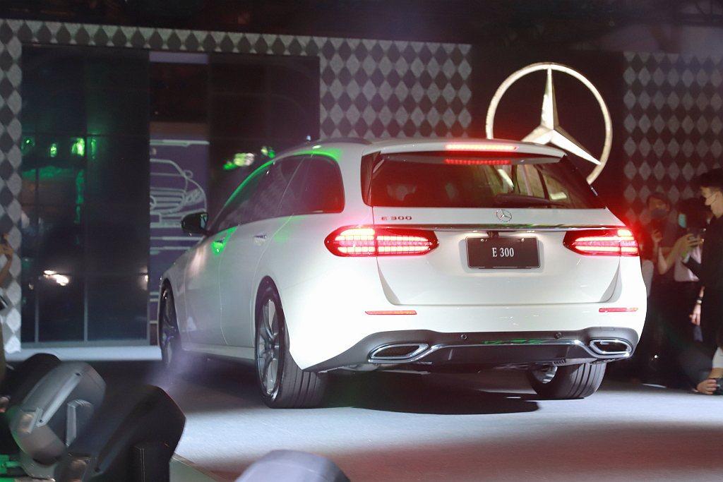 可根據自我風格,選擇賓士E 200 AVANTGARDE或是E 300運動版等車...