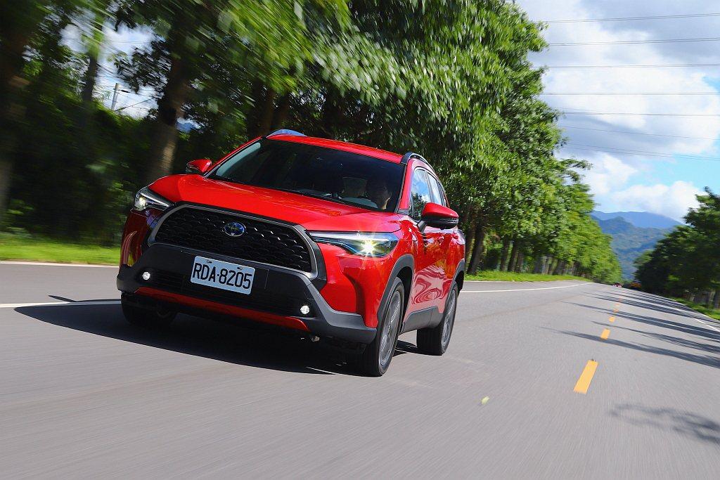 Toyota Corolla Cross汽油版少了電動馬達與電池,重量最高減少7...