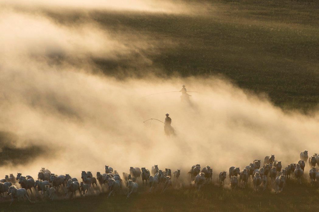 青年一代蒙古人认为在中共体制下,民族问题无法得到根本解决。图为示意图。 图/路透...