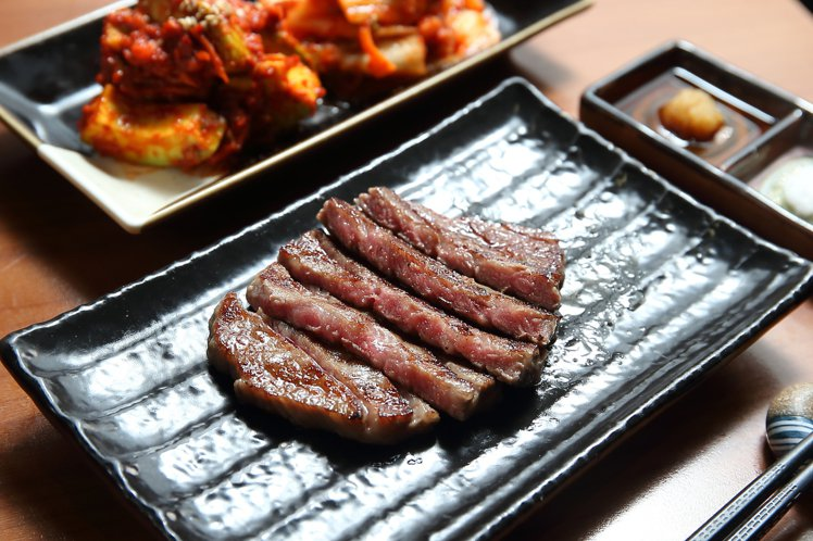 日本和牛前腿肉部位,可引領出肋眼芯等頂級部位的特色。記者陳睿中/攝影