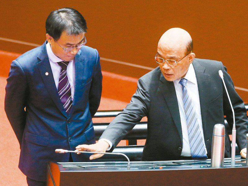 行政院長蘇貞昌(右)領導風格強勢,最近更上演在立院答詢時「壓麥克風」不讓閣員說話的畫面,左為農委會主委陳吉仲。圖/聯合報系資料照片