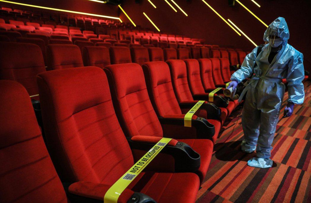 印度電影業者INOX將於15日重新開放電影院。歐新社