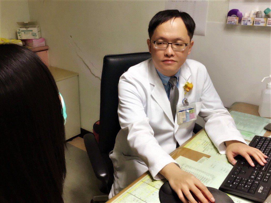 南投醫院感染科主任廖嘉宏建議成人,尤其是50歲以上的民眾應自費接種帶狀皰疹疫苗。...