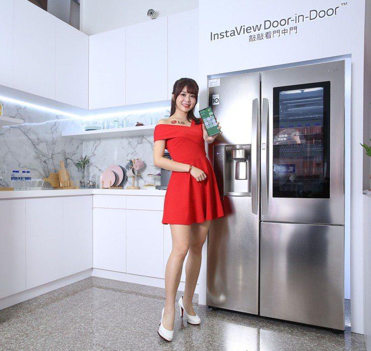 深受中台灣消費者喜愛、多功能且擁有時尚外觀的LG InstaView敲敲看門中門...