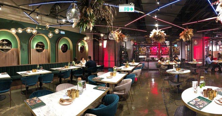 善果餐飲集團全新品牌「Vegan Amore蔬慕」,全台百貨獨家進駐京站3樓。圖...