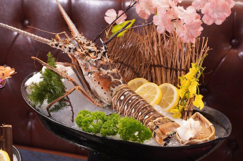 凡4人同行用餐並符合資格,即可免費獲得原價1,380元的「加勒比海巨大龍蝦」。圖/哞哞屋提供