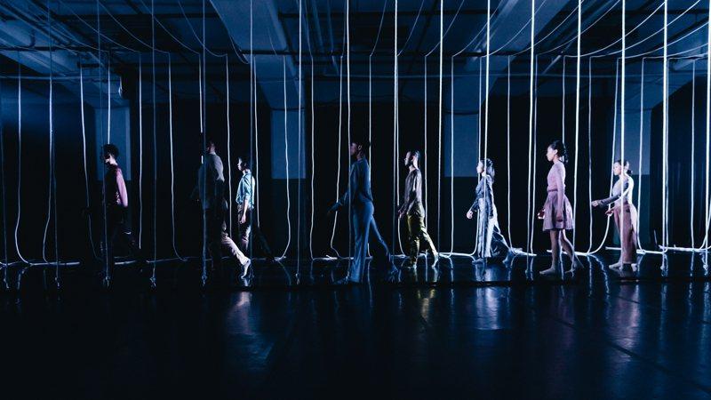 安娜琪舞蹈劇場與編舞家董怡芬創作「與時間牽手」系列作品,首次在LINE TV「數位劇場」獨家公開。圖/安娜琪舞蹈劇場提供