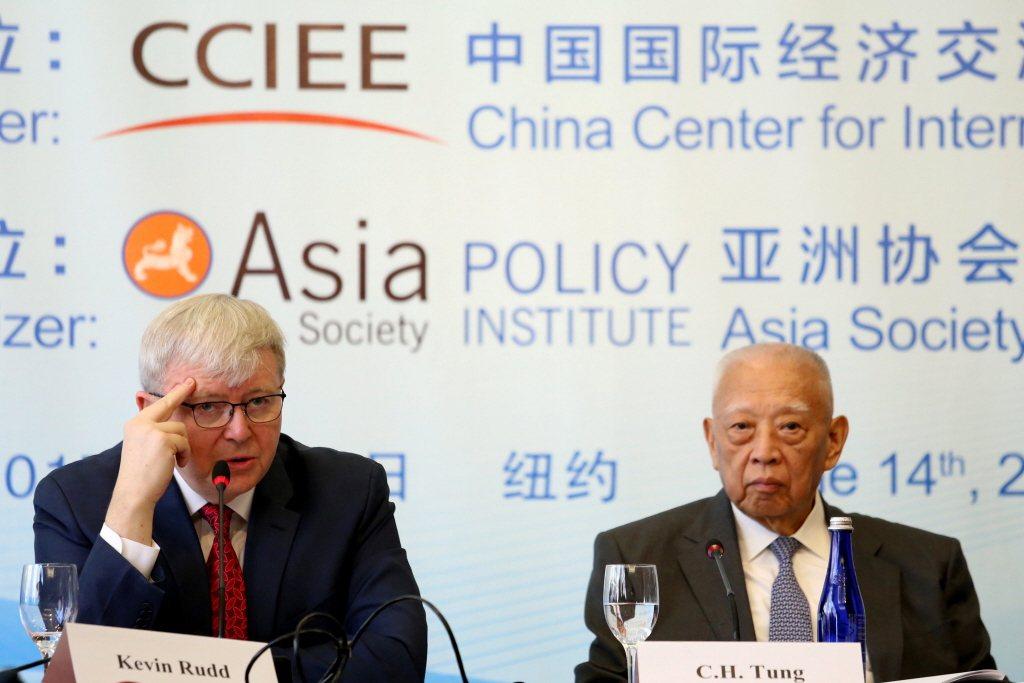 陸克文辭任澳洲總理後,以「亞洲協會」政策研究所所長以及澳洲前總理之名號,為「中國夢」努力不懈。 圖/路透社
