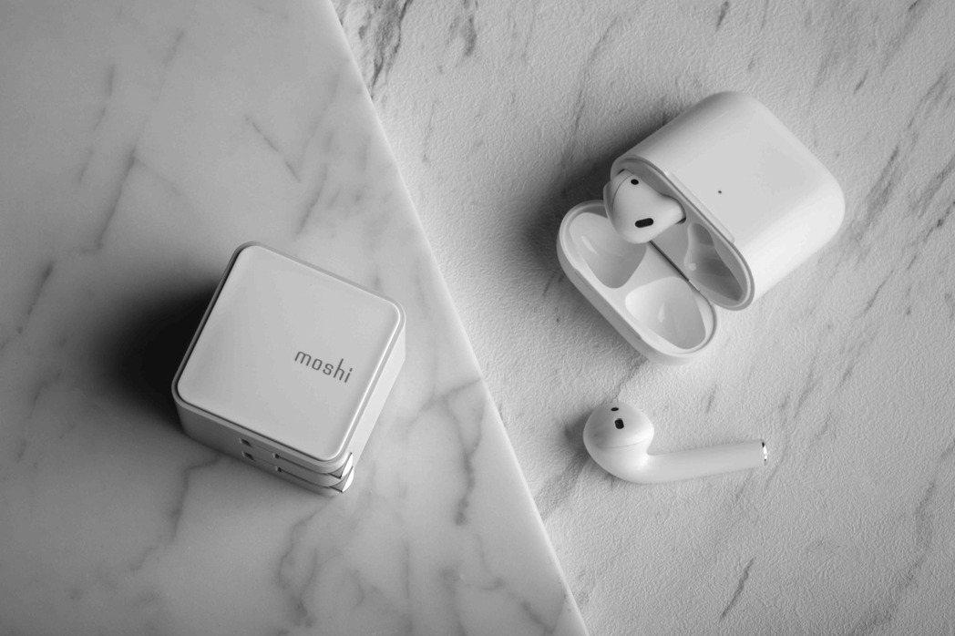 Qubit 迷你 USB-C 充電器(PD 快充 18W),可折疊式插頭設計,小...