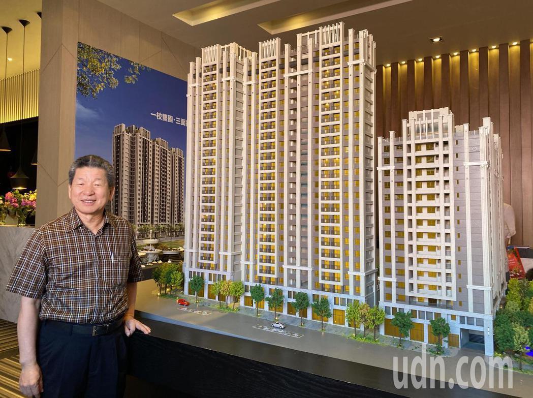 豐邑機構的總經理邱崇喆說,「菁科2 MAX」已購客戶以中科新貴為多。記者趙容萱/...