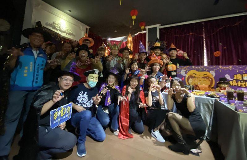 台中15大商圈合作拚萬聖節經濟,聯手推出「搗蛋童樂趣搞怪Halloween」系列活動。記者趙容萱/攝影