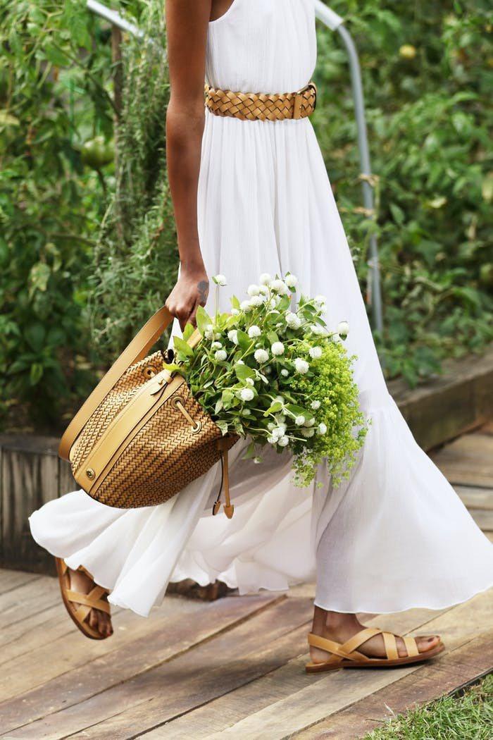 MICHAEL KORS的春夏系列,以編織包款帶來自然氣息。圖/MICHAEL ...