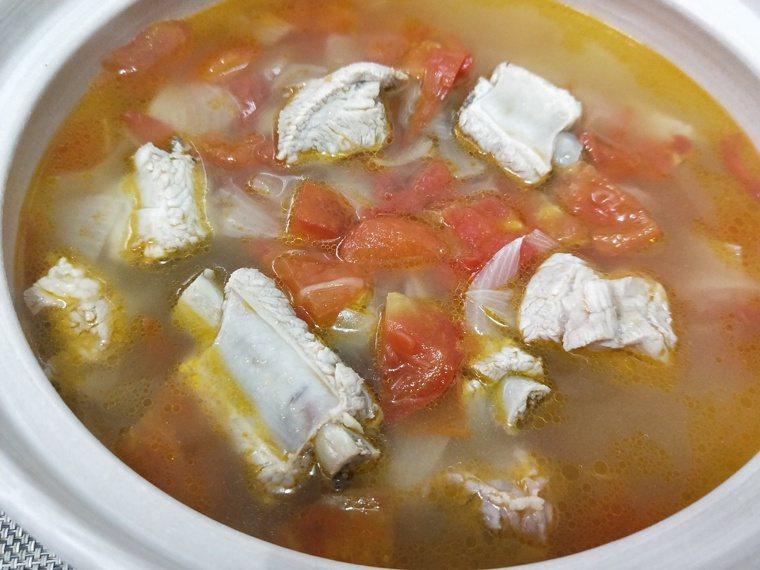 番茄洋蔥排骨湯 圖/陳芸英提供