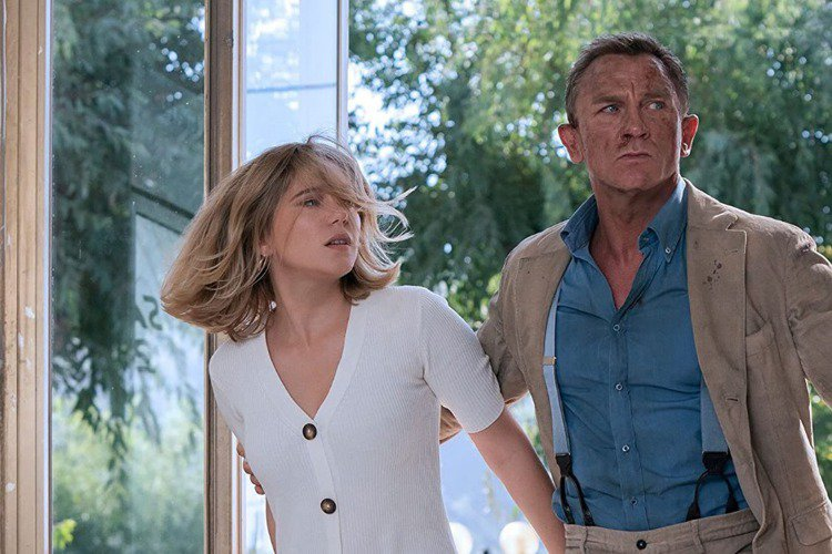 丹尼爾克雷格將在「007生死交戰」後,正式和詹姆斯龐德這角色說再見,交由下一位演員接棒,「007生死交戰」導演凱瑞福永亦透露,片子開場將打破近期007影片慣例,以蕾雅瑟杜扮演的龐德愛人梅德琳小時候躲...
