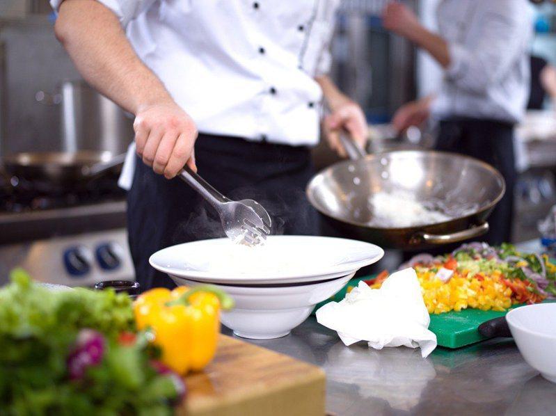 有網友在網路上發文表示,想到澎湖美食想到的就是牡蠣跟小管麵線,但不知道還有沒有其他「隱藏美食」。 圖/Ingimage