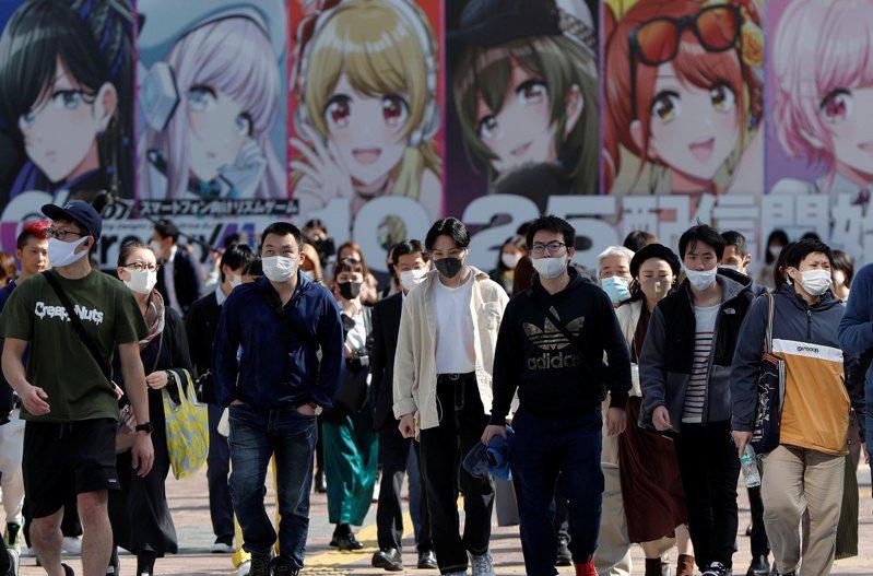 日本東京都今天單日新增235起2019冠狀病毒疾病(COVID-19)確診病例,沖繩縣也新增34例,讓日本全境確診病例數突破9萬3000例。 路透社