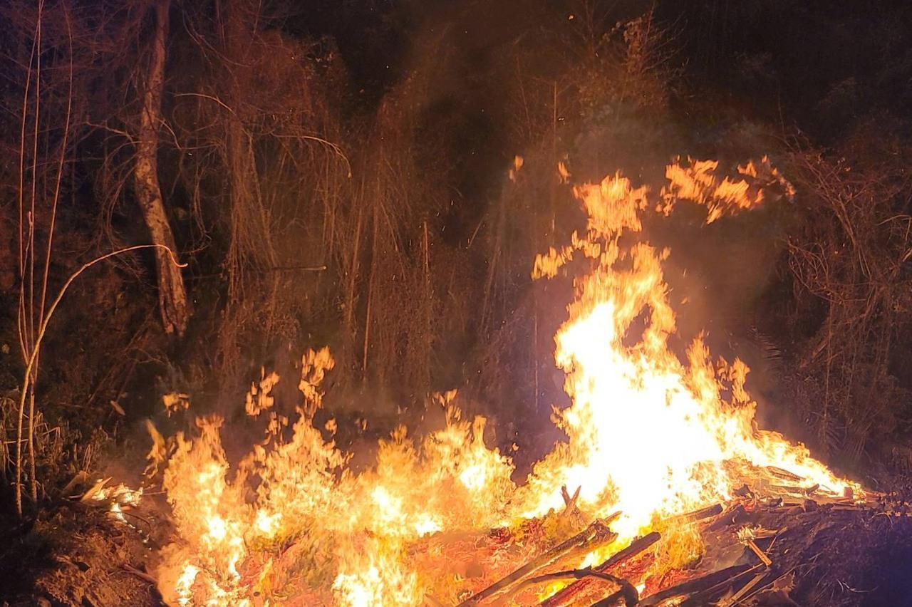 北埔山林遭傾倒垃圾焚燒釀火災 居民誤以為森林大火
