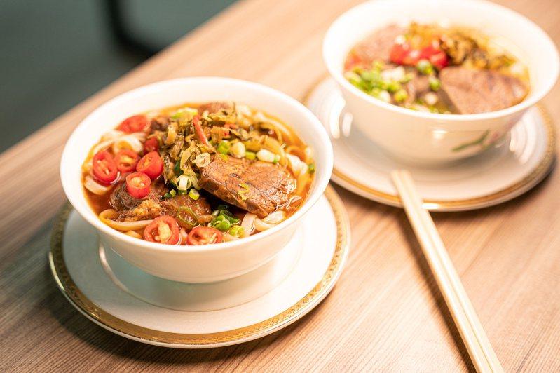 長榮航空今起開始每周六舉辦空廚體驗營,共計有16個梯次。圖/長榮航空提供