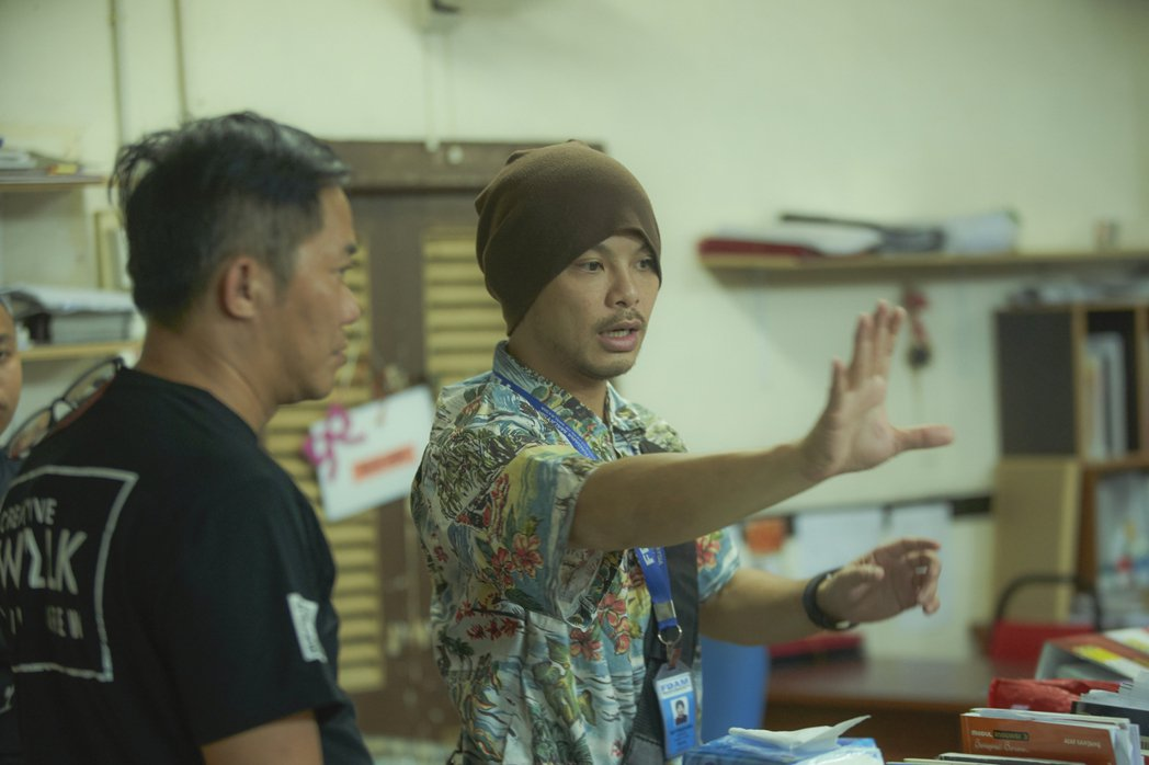 黃明志(右)新歌「Happy Family」復刻馬來西亞20年前一起校園種族暴動