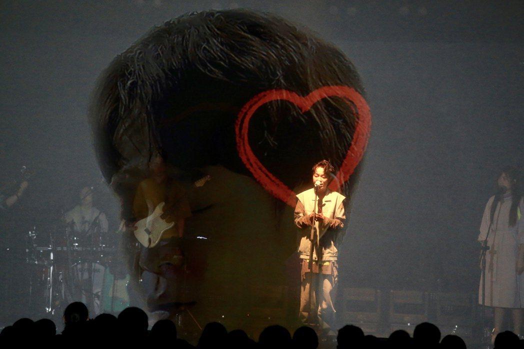 吳青峰宣布11月14、15日將在淡水雲門劇場加碼續唱。記者林伯東/攝影