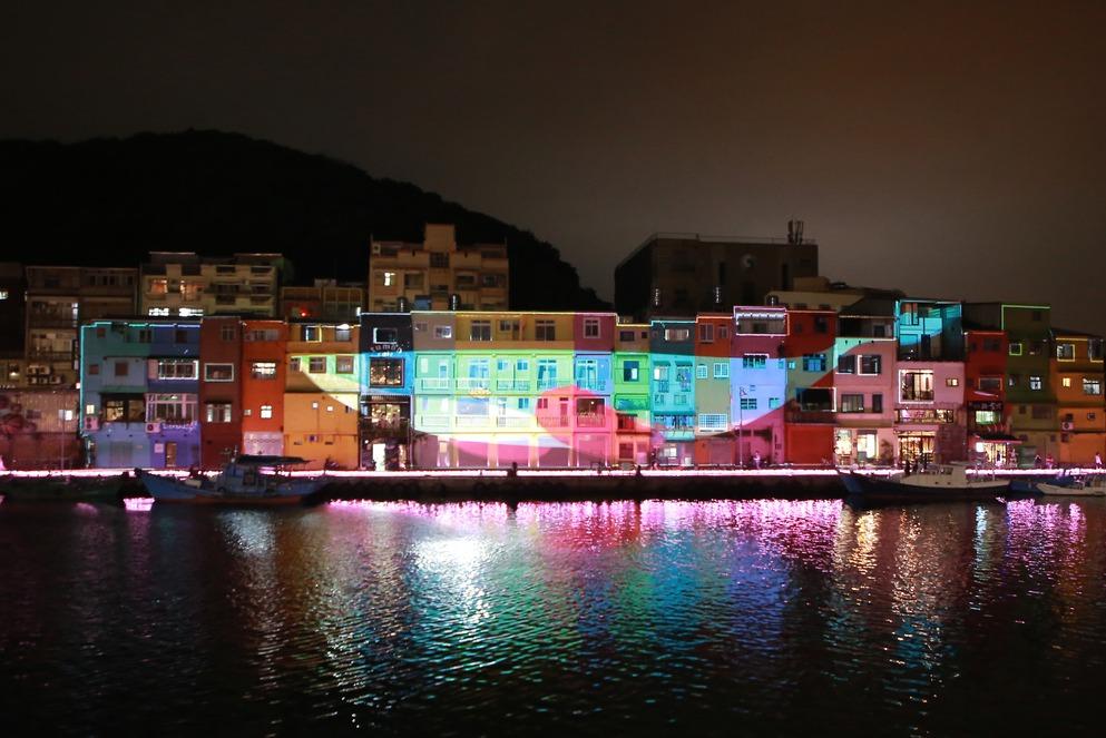 影/基隆台版威尼斯美呆 大鯨魚色彩屋光雕完整版震撼