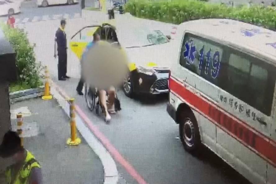 持雙槍小黃車上誤扣扳機自轟案 非搶劫是要為亡母尋仇