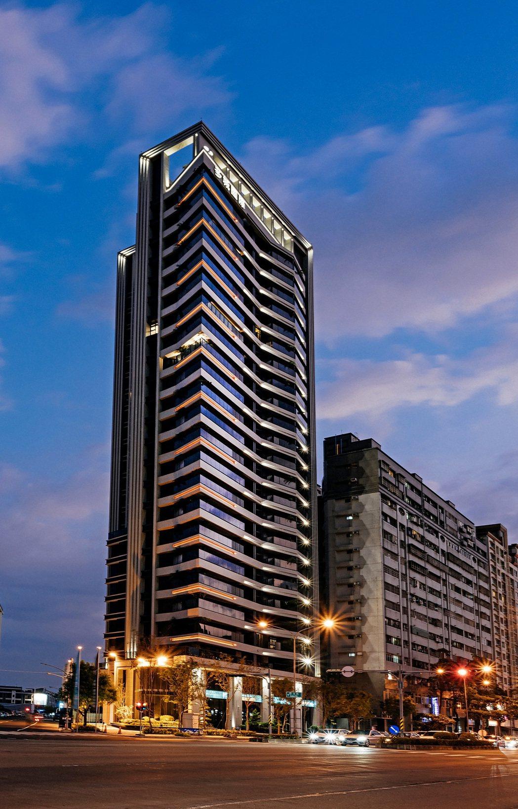 有建築奧斯卡之稱的「建築園冶獎」,主辦26屆以來,第一座智慧建築特別獎頒給多城國...