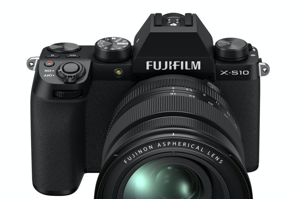 富士公布新款中階無反相機X-S10 同樣針對影片拍攝打造