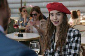 「艾蜜莉」爆紅爭議!挨批歧視法國人 女主角發聲了