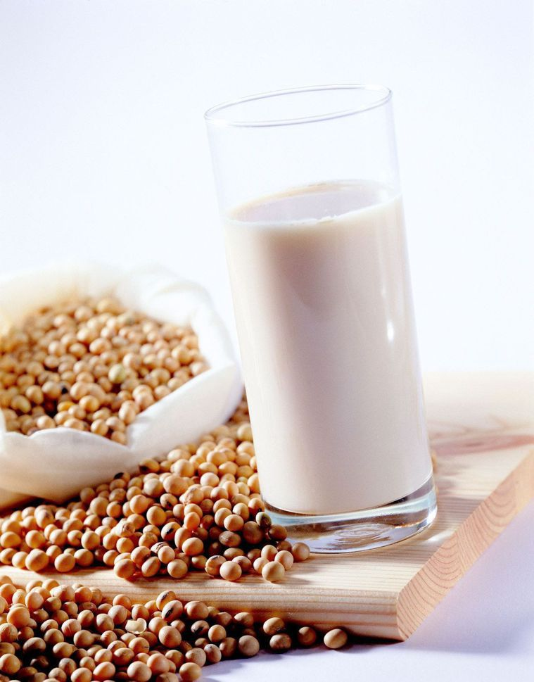 吃太多容易產氣的食物,如豆類、肉類、蛋、牛奶等,會導致排氣增多。本報資料照片