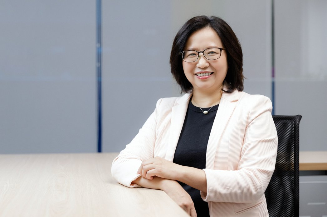 從婦女權益運動出身、現任衛生福利部政務次長李麗芬,認為臺灣的性平意識,雖然有提升...
