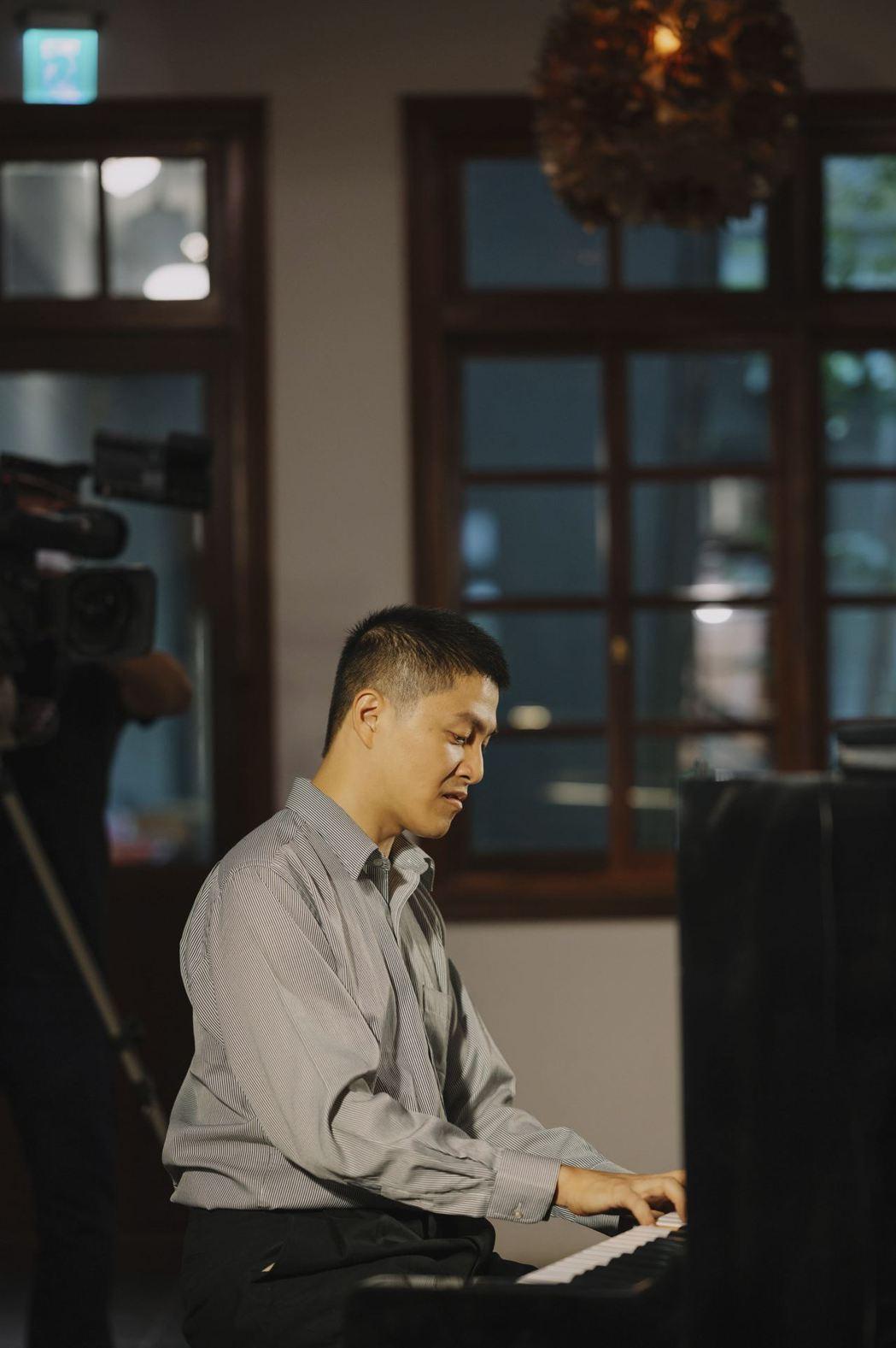 臺灣之夜即興鋼琴表演者:李世揚。 文策院/提供
