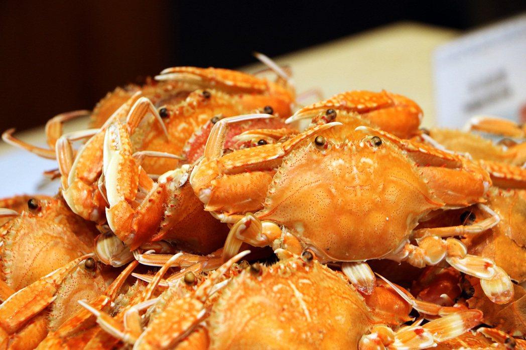 宜客樂海港百匯自助餐廳。