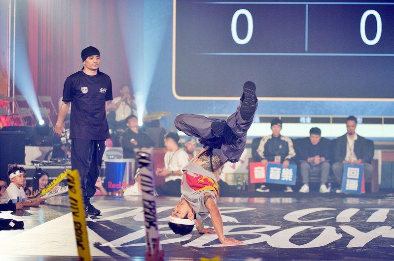 世界街舞爭霸賽昨晚登場,精彩的舞藝High翻全場。圖/市府提供