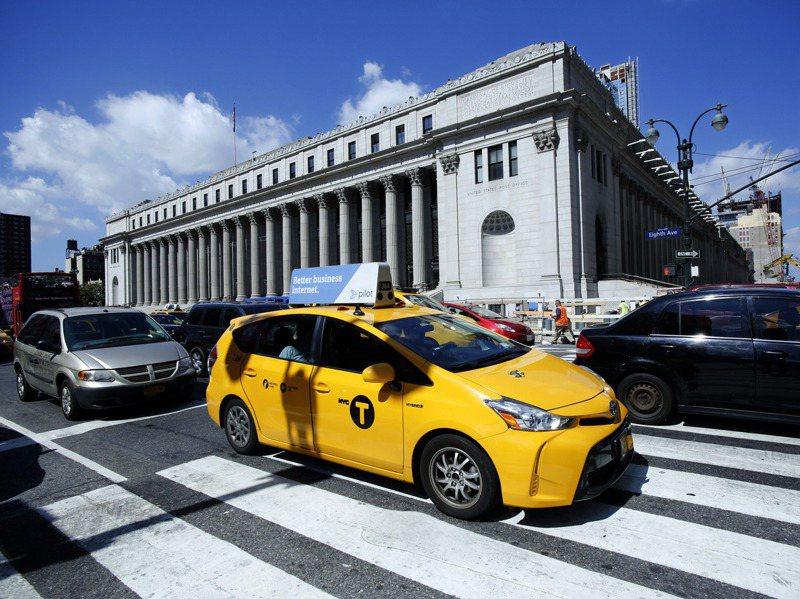 臉書在8月宣布租下有107年歷史的紐約郵政總局大樓。美聯社