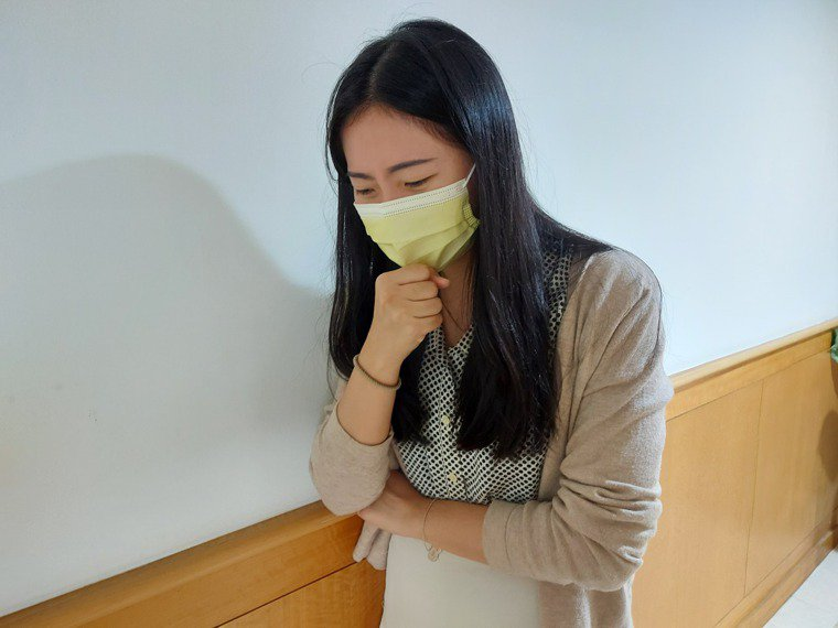 鼻涕倒流患者經常出現慢性咳嗽、胸悶、感冒等症狀。圖/台北醫院提供