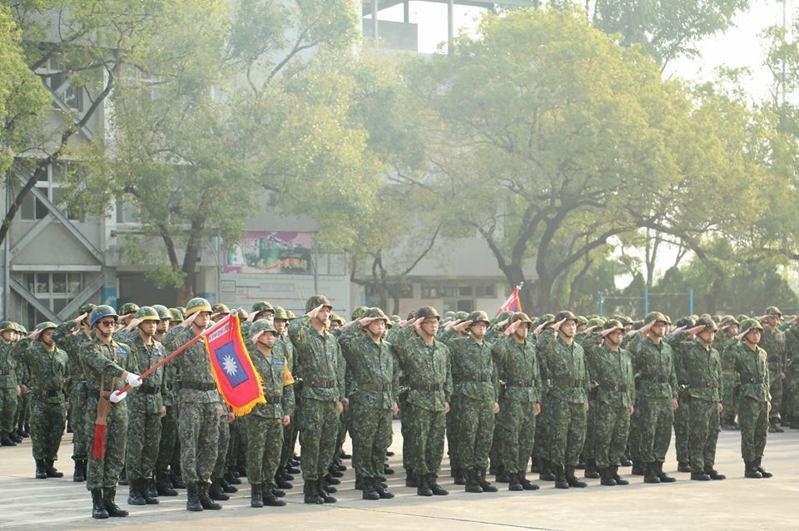 陸軍目前積極推動在第六、八、十軍團各新成立一個新訓旅,以解決役男滯徵問題。圖/取自陸軍司令部臉書網頁