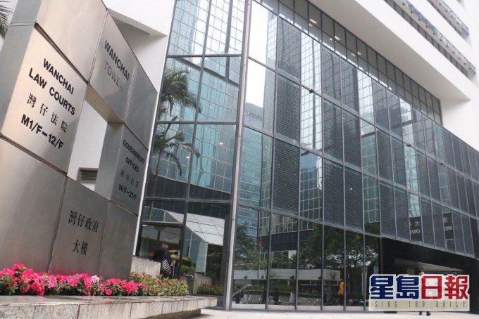 患有精神分裂、持雙程證赴港的大陸男子去年9月,先後闖入華人置業前主席劉鑾雄及香港...