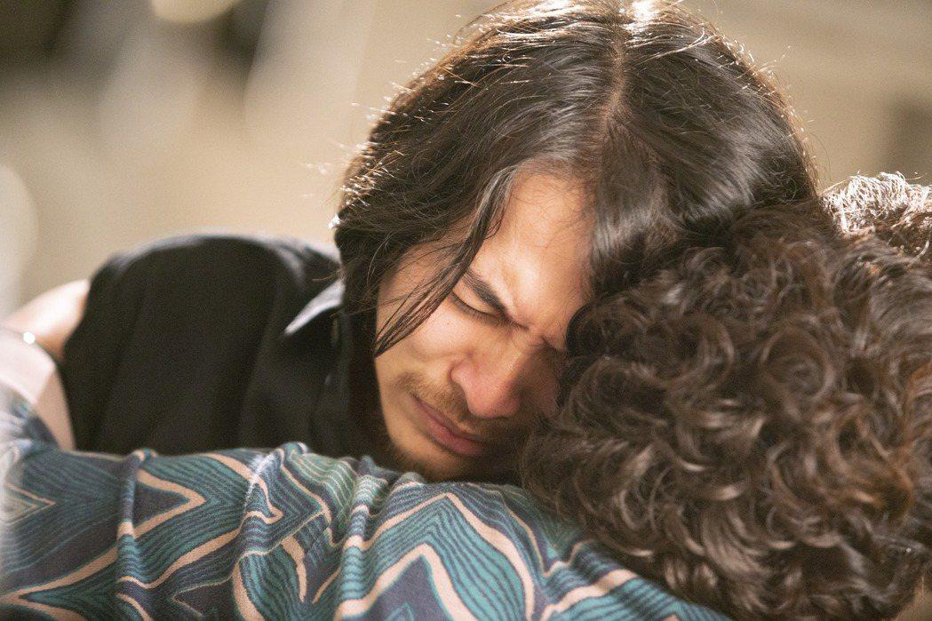 楊銘威在「我的婆婆怎麼那麼可愛」中一句「抱歉」逼哭鍾欣凌。圖/公視提供