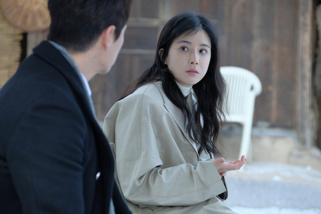 韓國氣質女星李寶英以「花樣年華」作為產後復出首作。圖/中天娛樂台提供
