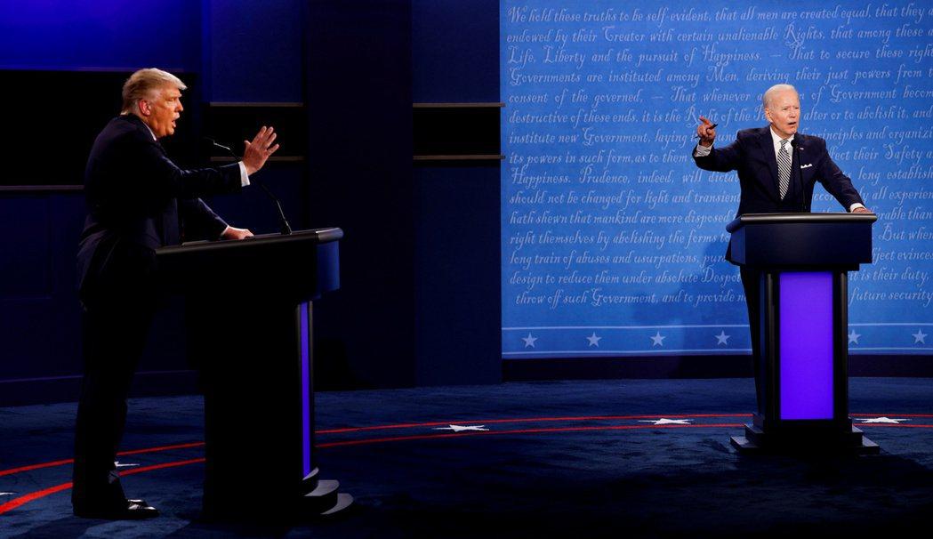 本次辯論修改了辯論規則,並加入「反插嘴靜音按鈕」,將在「候選人答題第一次申論的2...