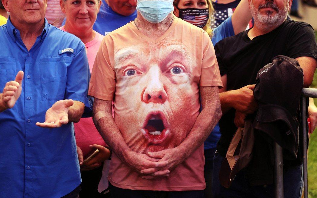 2020年美國總統大選的最後一場電視辯論會,預計將於台灣時間23日上午9點開始,...