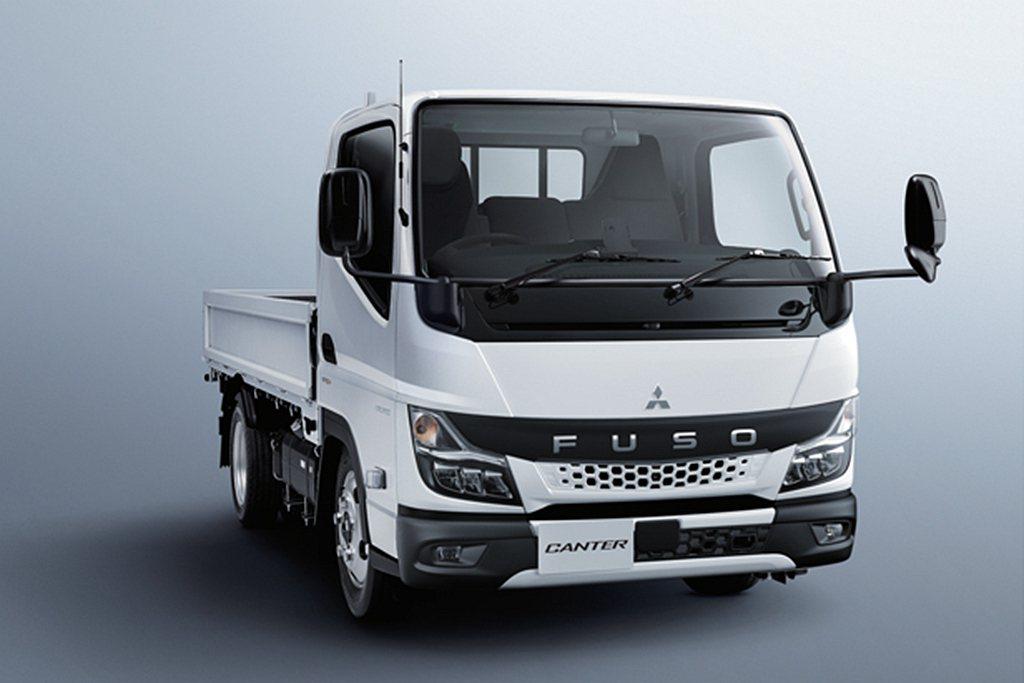 大改款全新第九代Fuso Canter,不僅外觀更科技、行車輔助系統更完善,也更...