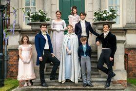 精采度簡直《花邊教主》+《唐頓莊園》!Netflix英倫古裝劇《柏捷頓家族:名門韻事》聖誕節上檔